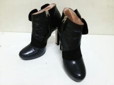 N゜21(ヌメロ ヴェントゥーノ)のブーツ