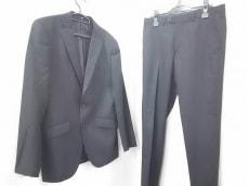 TK(ティーケータケオキクチ)のメンズスーツ