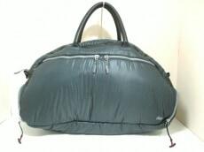 iSkin(アイスキン)のボストンバッグ