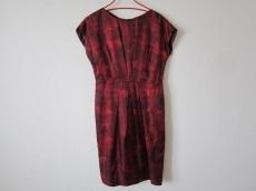 modify(モディファイ)のドレス