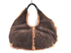 manu(マニュ)のハンドバッグ