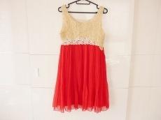 WC(ダブルシー)のドレス