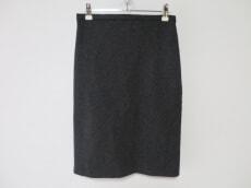 cher(シェル)のスカート