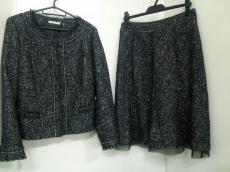Rose Tiara(ローズティアラ)のスカートスーツ
