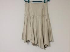 J-white(ジェイホワイト)のスカート