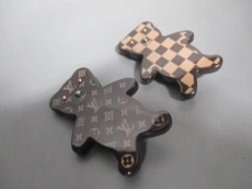 LOUIS VUITTON(ルイヴィトン)のブローチ