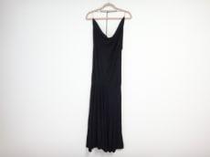 DONNAKARAN SIGNATURE(ダナキャランシグネチャー)のドレス