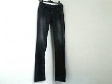 Pledge(プレッジ)のジーンズ