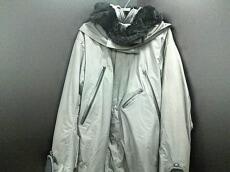 is-ness(イズネス)のコート