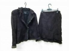 Rozenfur(ローゼンファー)のスカートスーツ