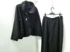 慈雨(ジウ/センソユニコ)のレディースパンツスーツ
