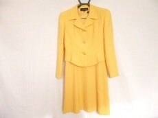 lapine blanche(ラピーヌブランシュ)のワンピーススーツ
