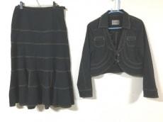 io comme io(イオコムイオ センソユニコ)のスカートスーツ