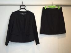 Burberry LONDON(バーバリーロンドン)のスカートスーツ