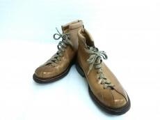 hLam(ラム)のブーツ