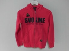 SVOLME(スボルメ)のパーカー