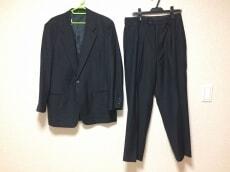 im MIYAKEDESIGNSTUDIO(イッセイミヤケデザインスタジオ)のメンズスーツ