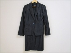 wb(ダブリュービー)のワンピーススーツ