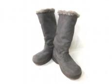 a.v.v.(アーヴェヴェ)のブーツ