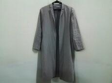 COS(コス)のコート
