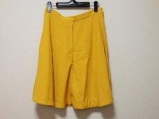 COS(コス)のスカート