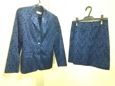 LALTRAMODA(ラルトラモーダ)のスカートスーツ