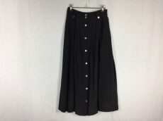 A PUPIL(アピューピル)のスカート