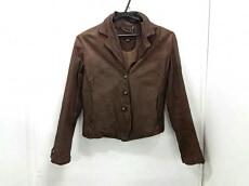 Sisii(シシ)のジャケット