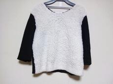 petite robe noire(プティローブノアー)のカットソー