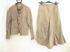 t.b(ティービー/センソユニコ)のスカートスーツ