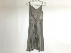 G.V.G.V.(ジーヴィジーヴィ)のドレス