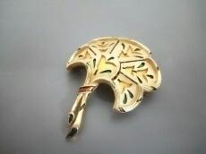 TRIFARI(トリファリ)のブローチ