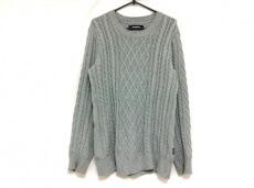 1 piu 1 uguale 3(ウノ ピュ ウノ ウグァーレ トレ)のセーター