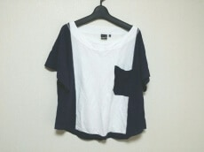 iliann loeb(イリアンローブ)のTシャツ