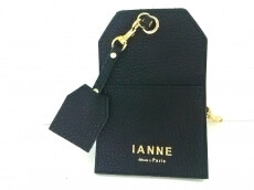 IANNE(イアンヌ)のパスケース