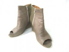PAPILLONNER(パピヨネ)のブーツ