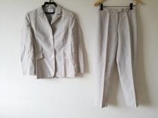 AKRIS(アクリス)のレディースパンツスーツ