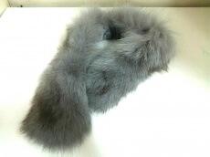 Moon Bat Fur(ムーンバットファー)のマフラー