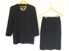 HARDY AMIES(ハーディエイミス)のスカートスーツ
