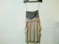 alice+olivia(アリスオリビア)のドレス
