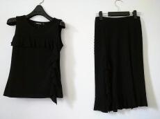 DKNY(ダナキャラン)のスカートセットアップ