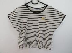 petite robe noire(プティローブノアー)のTシャツ