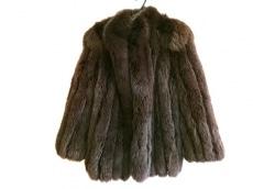 Malvoisie(マルヴォワジー)のコート