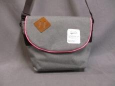 anello(アネロ)のショルダーバッグ