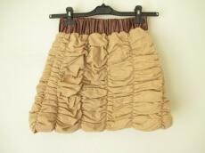 粧う YOSOOU(ヨソオウ)のスカート