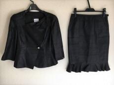 ARMANI(アルマーニ)のスカートスーツ