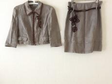 miumiu(ミュウミュウ)のスカートスーツ