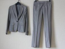 MANOUQUA(マヌーカ)のレディースパンツスーツ