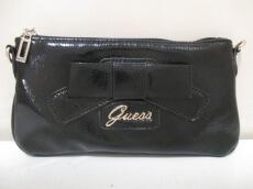 GUESS(ゲス)のクラッチバッグ