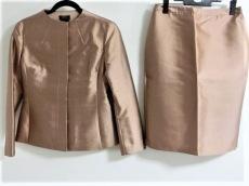 BCBGMAXAZRIA(ビーシービージーマックスアズリア)のスカートスーツ